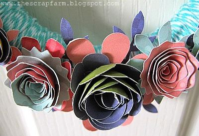 Melinda - OCT - PLT - Floral Wreath closeup 2